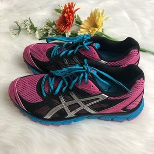 EUC ASICS Gel Scram 2 Running Shoes